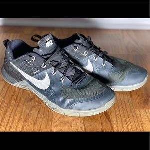 Nike Metcon Black / Grey men's CrossFit shoes